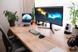 How to optimize your desk space to improve your health and productivity